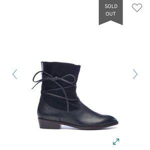 Latigo Pogo Boots